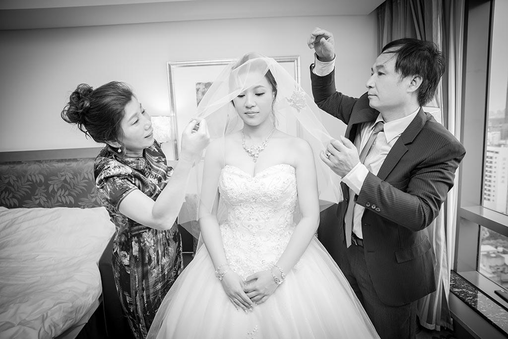 婚禮攝影-父母拜別-蓋頭紗