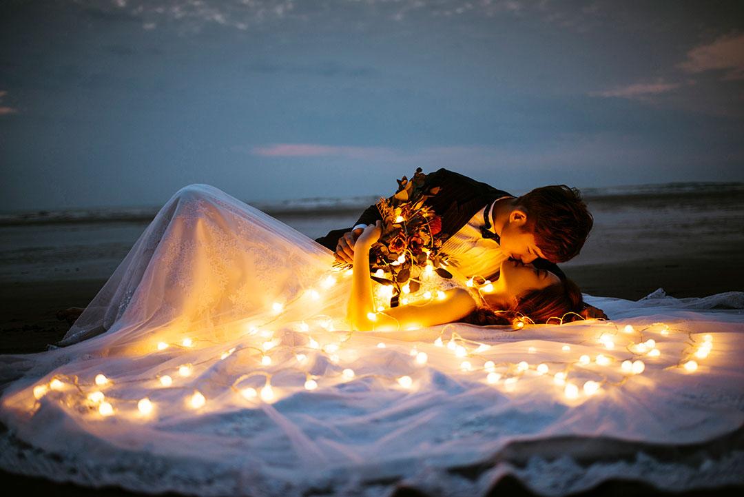 海邊拍婚紗 仙女棒小燈泡