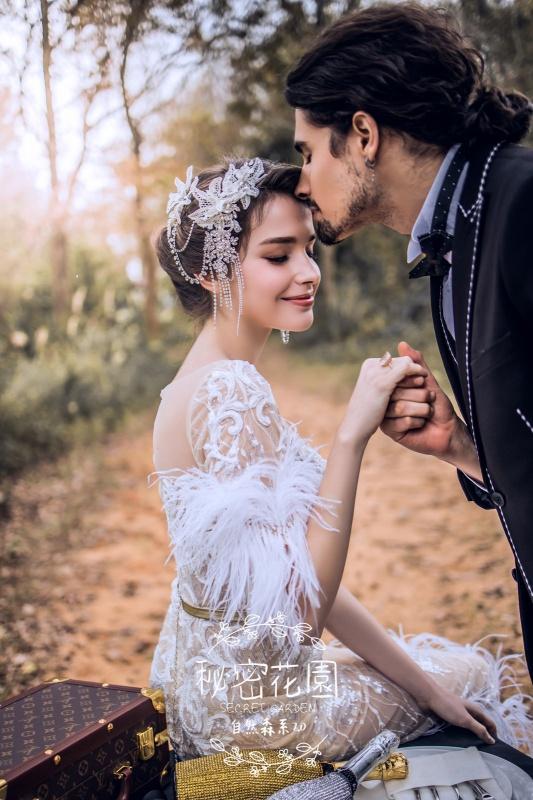 台中婚紗 - 森系自然派婚紗 - 揉和波西米亞的優雅與狂野,追逐自然派的時尚精神