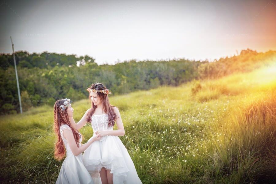 台中閨蜜婚紗 藝術寫真攝影沙龍 姐妹拍婚紗 記錄相知相挺的鎏金年華
