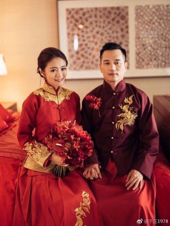 中式婚紗-風華絕輪-盤點10大女星中式婚禮-安以軒-1.jpg