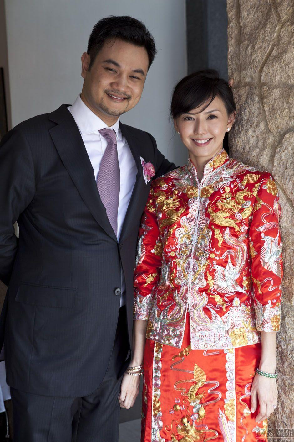 中式婚紗-風華絕輪-盤點10大女星中式婚禮-孫燕姿-1.jpg