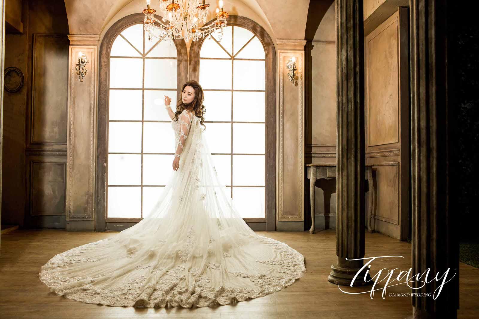 試穿婚紗-四大要點-婚紗公司-結婚包套-1.jpg